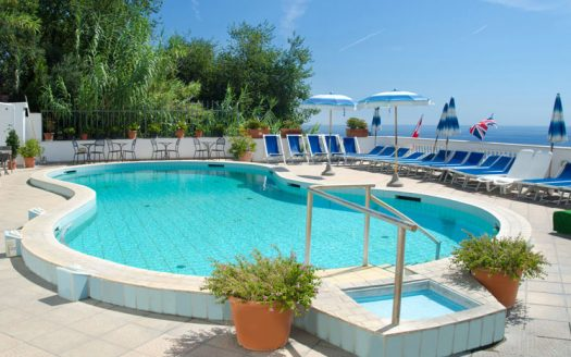 Hotel La Ginestra Sant Angelo, piscina