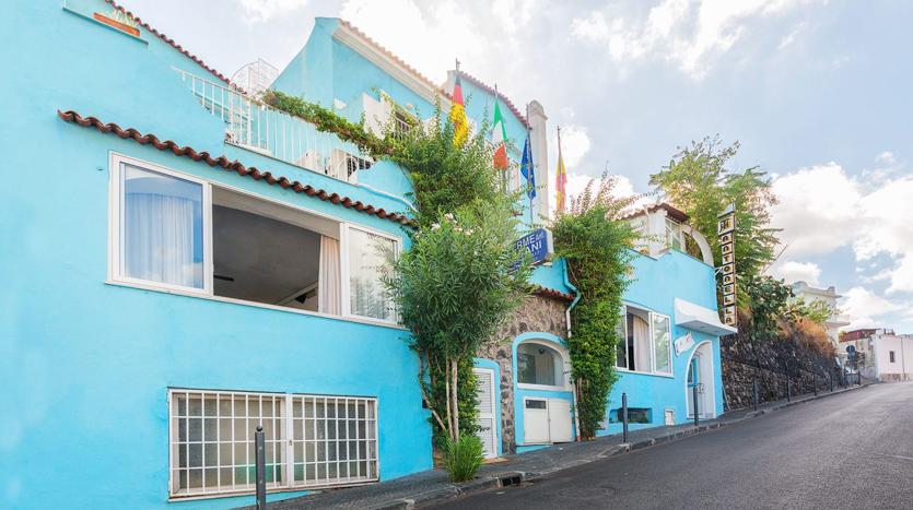 EHotel Antonella Ischia Porto, esterni